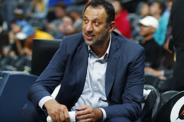 (VIDEO) Divac, daj pare!