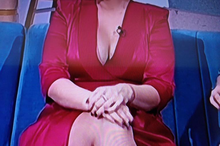 Image result for dušica jakovljevic gost kod sanje marinkovic crvena haljina dekolte
